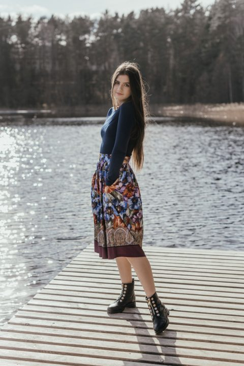 Midi ilgio sijonas