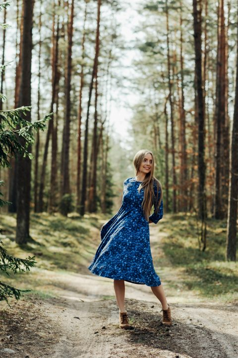 """Platėjanti suknelė ,,Mėlyna"""""""